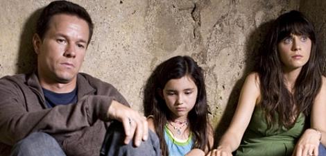 Wahlberg, Sanchez and Deschanel in The Happening