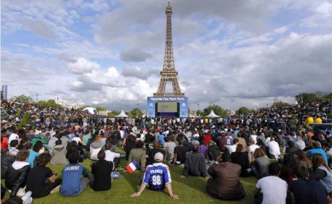 fan-zone-in-paris-e1465551452488